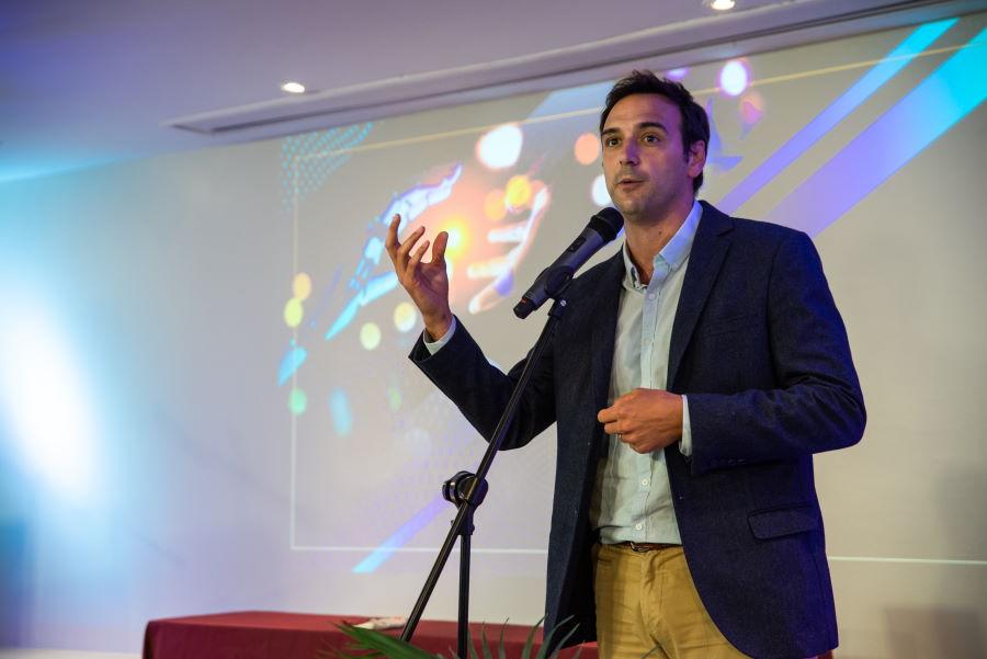 Facundo Ponce de León en los Reconocimientos a la Creatividad y la Innovación.