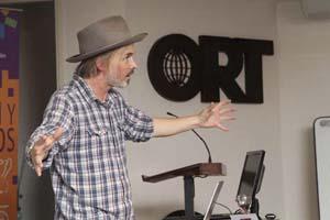 Jorgen Klubien en el Festival Internacional de Animación. Foto: Universidad ORT Uruguay.