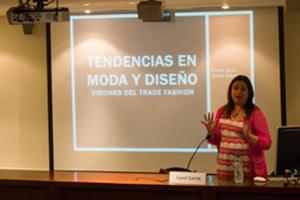 Carol Garcia durante la conferencia en la Universidad ORT Uruguay. Foto: Nicolás Kmaid.
