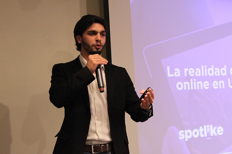 Bruno Petcho durante la presentación de Spotlike. Foto: Universidad ORT Uruguay.