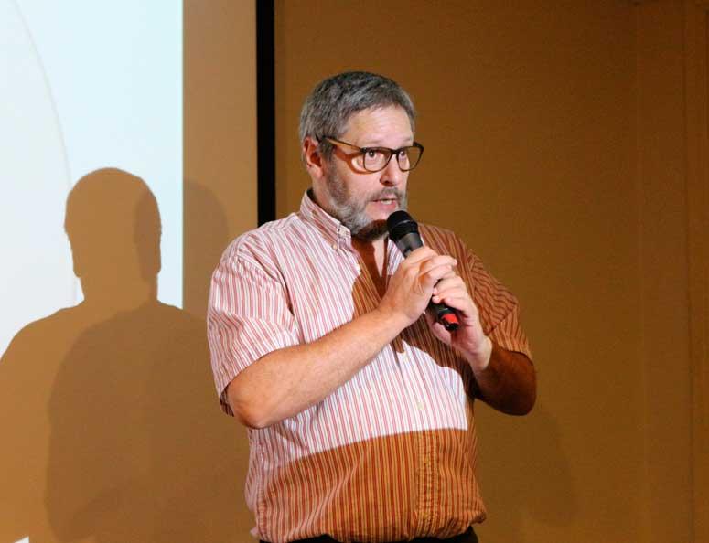 Alvaro Buela. Licenciatura en Comunicación.
