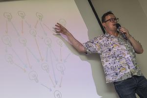 David Peña en la Escuela de Comunicación. Foto: Universidad ORT Uruguay.