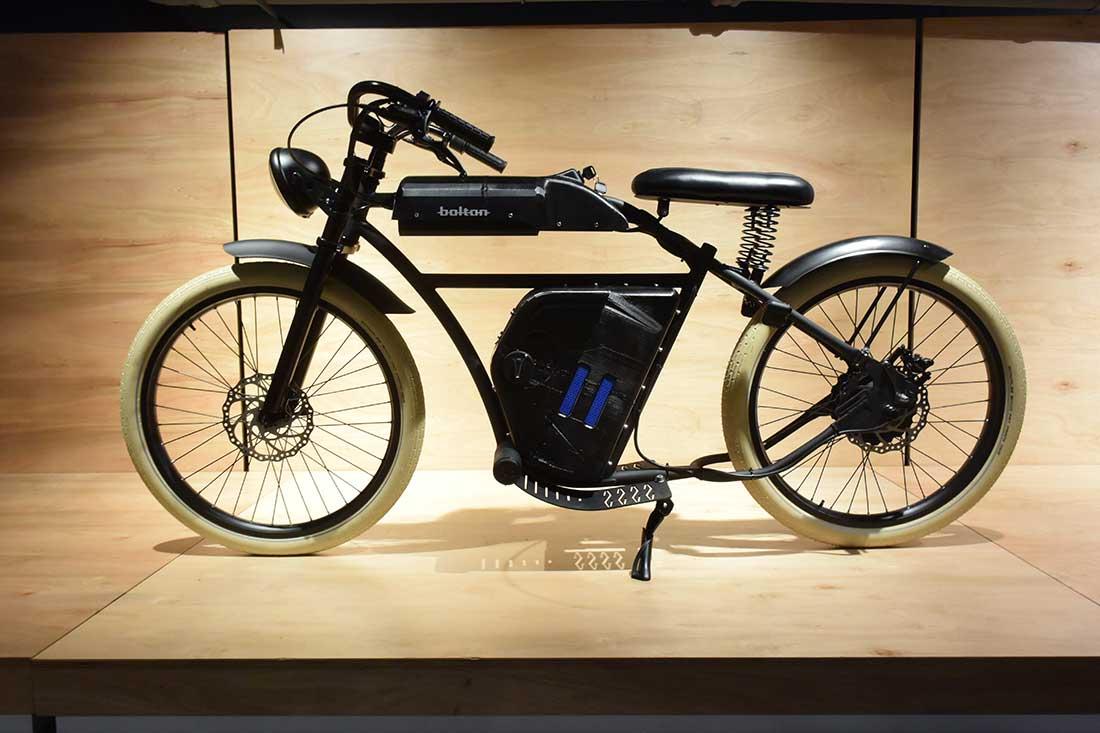 Motocicleta Bolton. Licenciatura en Diseño Industrial. Proyecto Integrador Recreación19