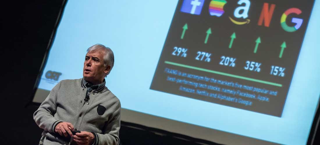 *Álvaro Moré en el Social Media Day Uruguay.*