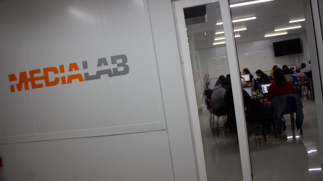 Media Lab  - Facultad de Comunicación y Diseño