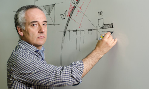 Daniel Domínguez, coordinador de la Licenciatura en Diseño Industrial.